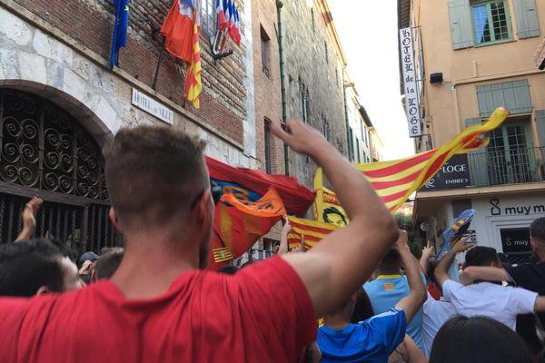 Explosion de joie dans le centre-ville de Perpignan, envahi par les supporters après la victoire de l'USAP, le 5 juin 2021.