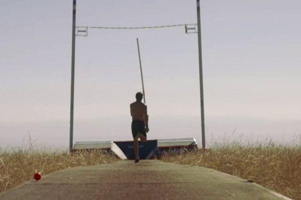 """Le documentaire """"Renaud Lavillenie, jusqu'au bout du haut"""", réalisé par Cédric Klapisch, est en avant-première les 8 et 9 juillet sur le site internet de France 3 Auvergne."""