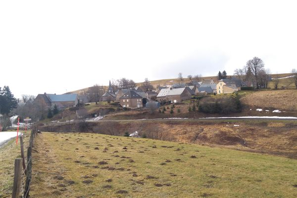 Avec 13 habitants, La Godivelle est la commune la moins peuplée du Puy-de-Dôme.