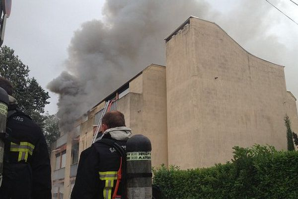 Le feu a rapidement gagné tous les étages