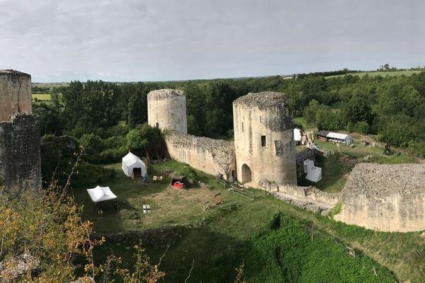 Le château du Coudray-Salbart à Echiré dans les Deux-Sèvres organise plusieurs animations tout au long de l'année.