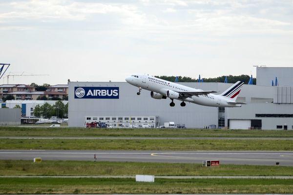 Une modification de la trajectoire de décollage des avions est expérimentée à l'aéroport Toulouse-Blagnac depuis mai 2019.