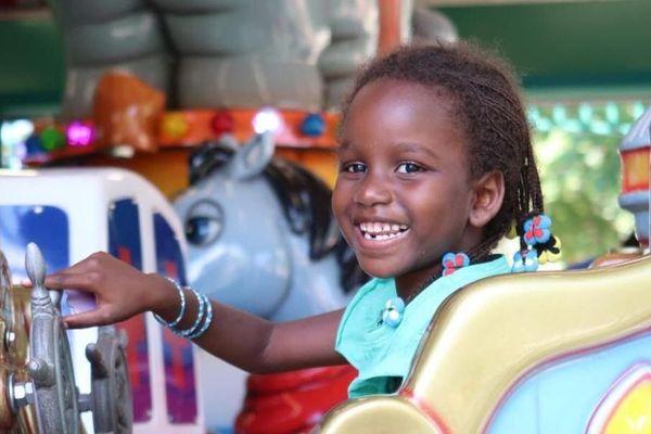 Grâce à la chaîne de l'espoir Kadiatou, 6 ans, a été opérée en urgence à Lyon, d'une grave malformation cardiaque qui aurait pu lui être fatal.