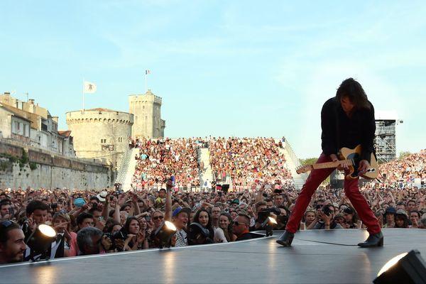 Cali, hier, sur la grande scène des Francofolies de La Rochelle.