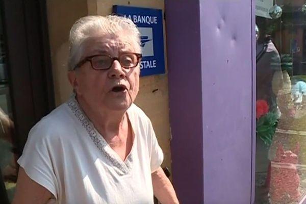 Dans le quartier de la Madeleine à Bergerac, les usagers de la Poste devront aller chez le buraliste pour le courrier et faire le déplacement vers un autre bureau à 3 km pour le reste.