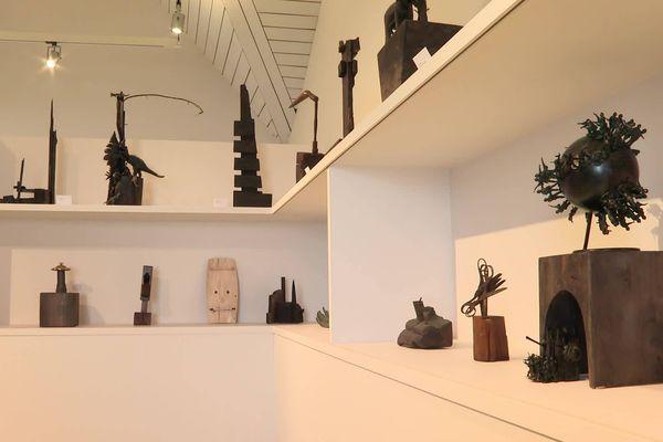 CharlElie Couture expose aussi ses sculptures à la Mison des douanes de St-Palais-sur-Mer en Charente-Maritime.