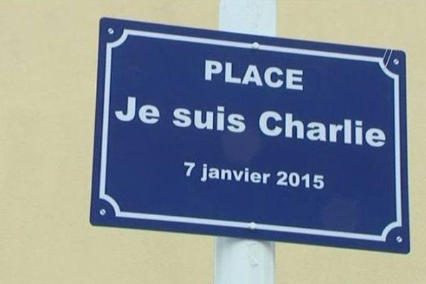 La place Je Suis Charlie à La Tremblade (17)