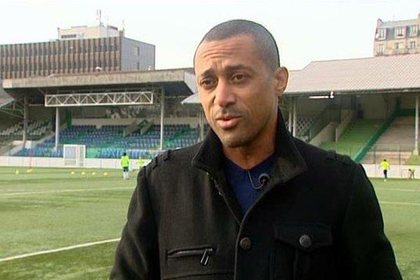 Steve Marlet, ancien international et originaire de Pithiviers est aujourd'hui directeur sportif du Red Star FC (Saint-Ouen)