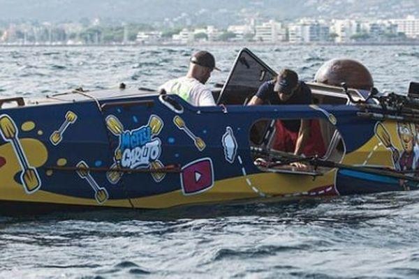 Les deux youtubeurs ont traversé la mer méditerranée à la rame en moins de trois jours.