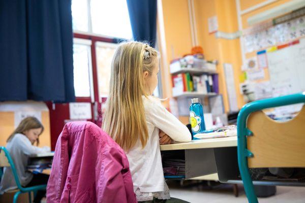 En cette rentrée, l'école a repris pour les élèves. Avec ici et là des cas de covid-19 et des fermetures de classes.