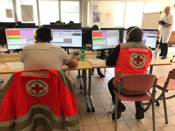 Les bénévoles de la Croix Rouge sont venus renforcer l'équipe du centre 15.