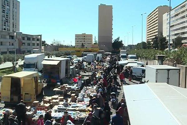 A Nîmes, malgré l'interdiction le marché Pissevin a eu lieu ce mercredi matin - 20 mars 2019