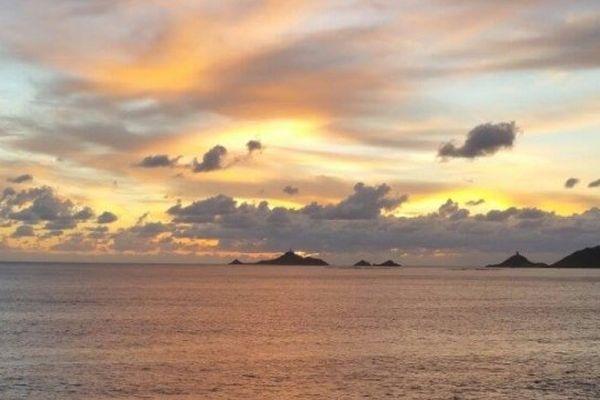 ILLUSTRATION - Coucher de soleil sur les Iles Sanguinaires, Ajaccio (Corse-du-Sud)