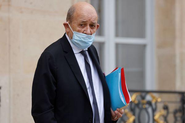 Jean-Yves Le Drian à la sortie de l'Elysée au mois de novembre 2020