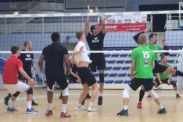 Le Rennes Volley 35 à l'entraînement avant la reprise de la compétition