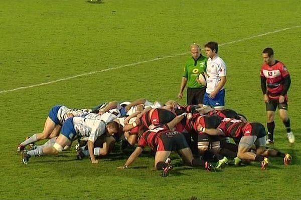 Vierzon s'impose 16 à 10 face à Bourges