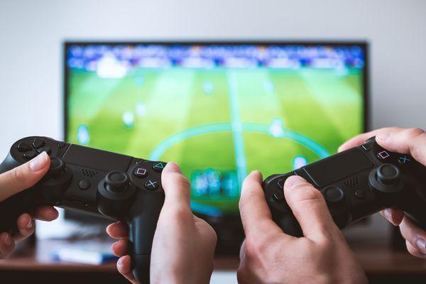Depuis 60 ans, les jeux vidéo ne cessent de se développer et de prendre de plus en plus de place.