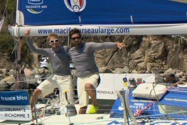 Fabien Delahaye et Yoann Richomme à leur arrivée aux Antilles lundi soir