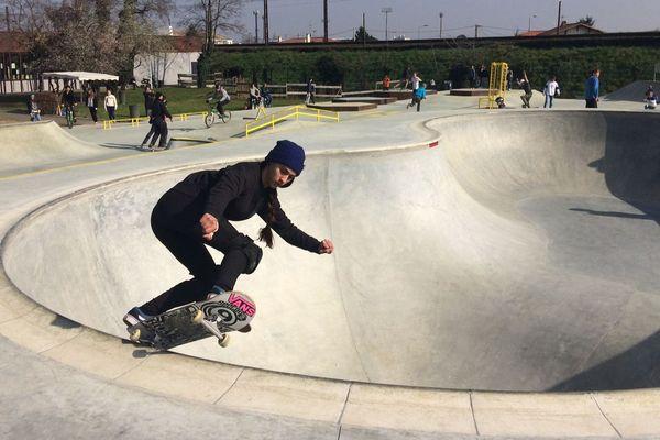 """C'est le """"bowl"""" en forme d'haricot qui fait, entre autres, la particularité du skate parc de Libourne."""