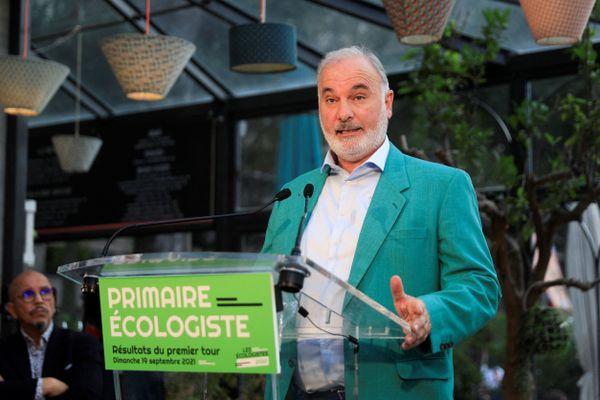 Jean-Marc Governatori s'exprime à l'issue du premier tour de la primaire écologiste, dimanche 29 septembre.