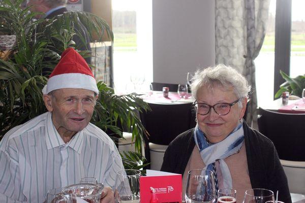 Jaqueline au repas de Noël organise par l'association des Petits Frères des Pauvres