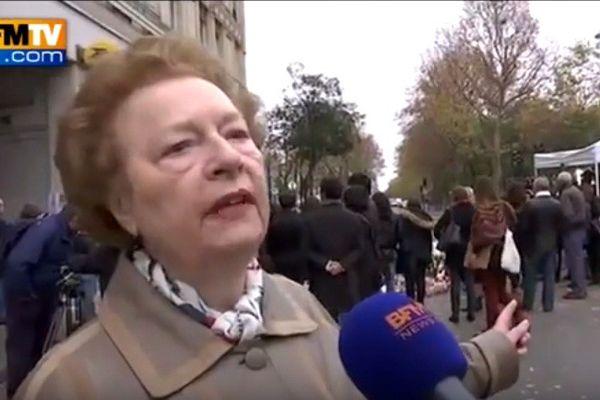 Danielle, interviewée par BFMTV dimanche 15 novembre, alors qu'elle se recueille devant le Bataclan