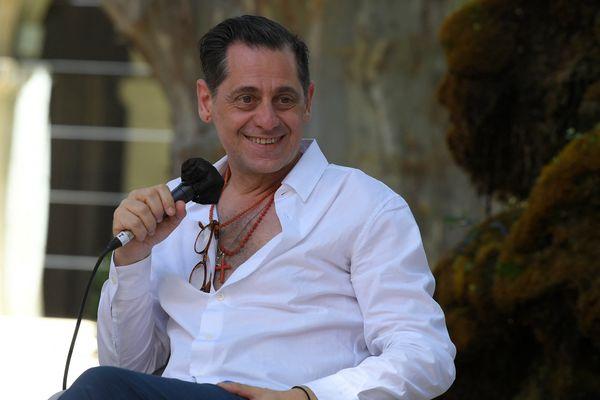 Olivier Py quittera le poste de directeur du festival d'Avignon après l'édition 2022 du festival. Le metteur portugais Tiago Rodrigues lui succèdera.