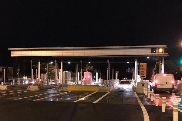 """L'échangeur de Narbonne sud a rouvert ce 23 janvier à 7 heures, après """"nettoyage complet de la plateforme, et vérification complète des dispositifs de sécurité"""" selon Vinci Autoroutes."""