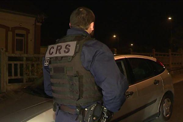 Des renforts policiers, notamment des CRS, ont été déployés à Montceau-les-Mines.