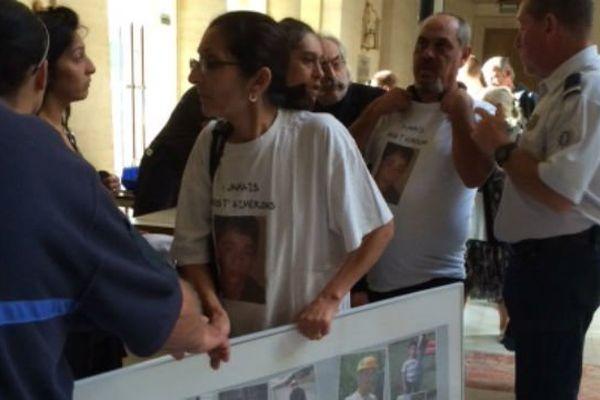 La mère du jeune Antoine qui a été tué en 2011 à l'ouverture du procès ce mercredi matin.