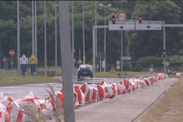 Ce dimanche, les coureurs traversereont Cherbourg, une ville qui sera coupée en deux d'est en ouest.