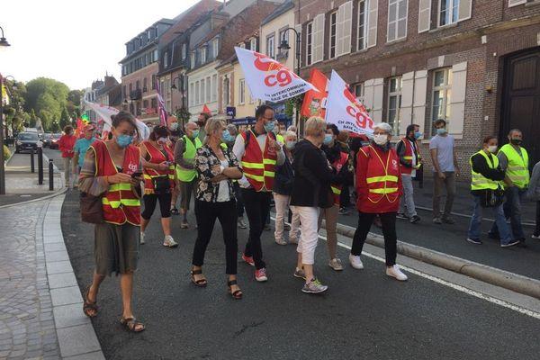 Près d'une centaine de manifestants ont défilé ce matin dans les rues d'Abbeville.