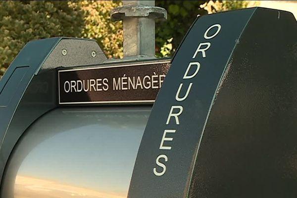 """En Dordogne, vers une """"Taxe Incitative"""" qui conduira en 2021 à payer en fonction du poids des ordures que l'on produit."""