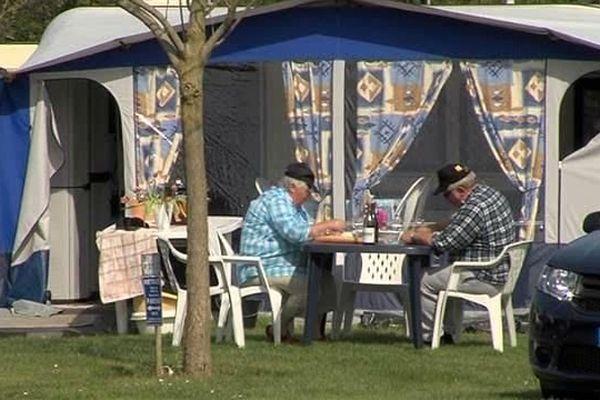 Un camping à Houlgate, 12 avril 2014