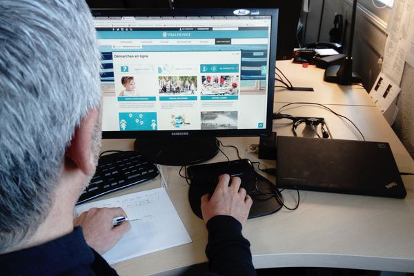 La ville de Nice a ouvert les pré-inscriptions scolaires en ligne sur son site internet.
