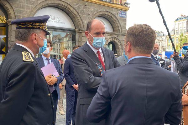 Jean Castex a continué sa visite dans les rues de Lille pour constater l'obligation du port du masque.