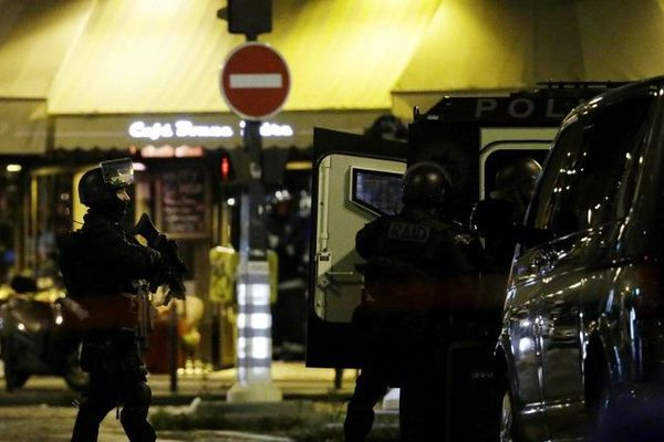 La préfecture de police a confirmé qu'une prise d'otages état en cours au Bataclan, à Paris.