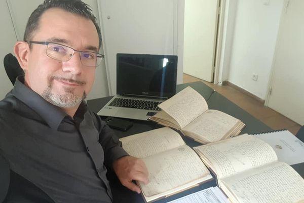 Grégory Viguié, généalogiste et historien nîmois.