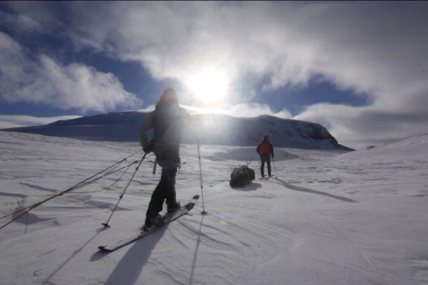 Flavien, Thomas et Vincent étaient déjà partis dans le désert de glace en Suède en 2019, cette fois leur expédition doit durer plus longtemps.