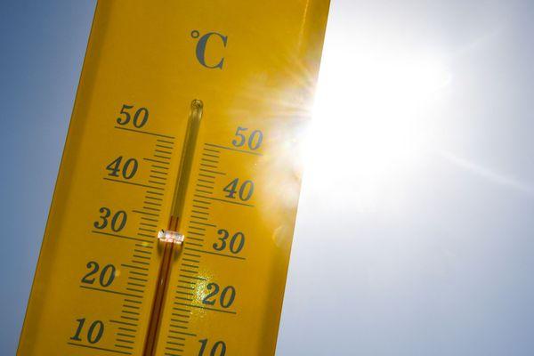 Illustration. Rappel : les températures indiquées par les sites météo sont prises à l'ombre sous abri