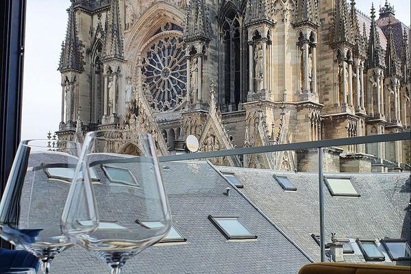 Le Gabrielle, avec vue sur la cathédrale, a reçu de nombreuses réservations pour des demandes en mariage
