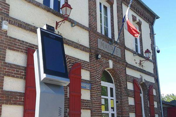 La caméra thermique a été testée à l'hôtel de ville de Saint-Paul (Oise) avant d'être installée à l'entrée de l'école.