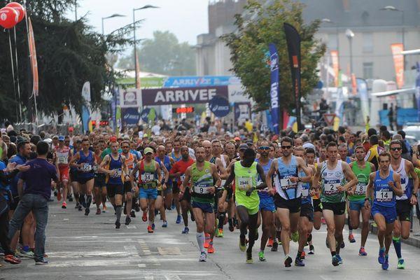 départ des marathoniens à Tours