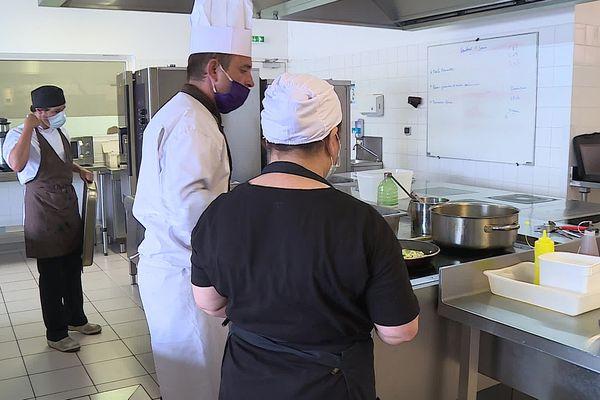 Entre 1 et 2 semaines de formation à Perpignan pour rafraîchir ses connaissances en cuisine et retrouver la confiance en soi.