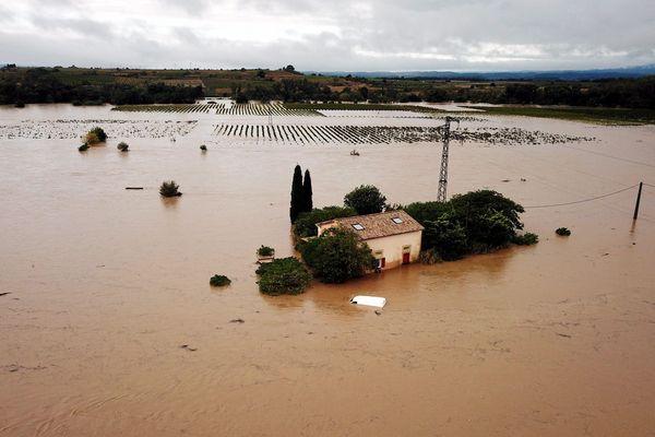 Le village de Saint-Couat d'Aude, inondé le 15 octobre 2018