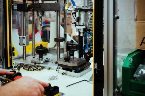 La création des pédales Look Cycle est un processus hautement technique.