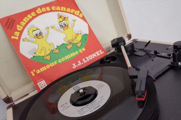 La danse des canards, un des 45 tours qui a le plus tourné dans les années 80