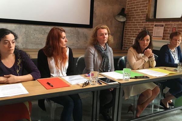 """Gaëlle Betlamini-Da Silva (2e à gauche) et le collectif """"Ils ne nous feront pas taire"""", le 5 juin 2019"""