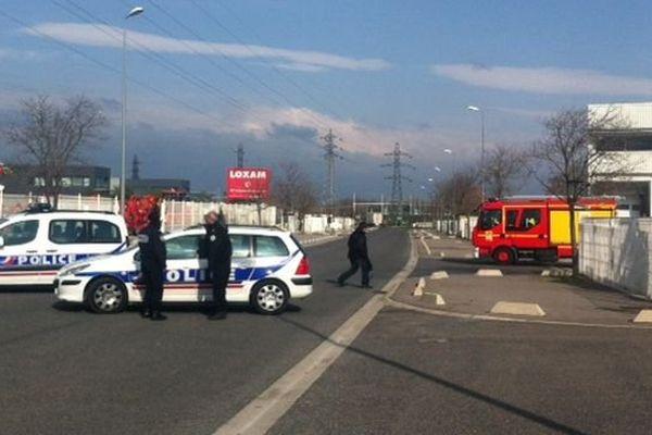 Un périmètre de sécurité aux abords de la zone d'activité St Charles à Perpignan