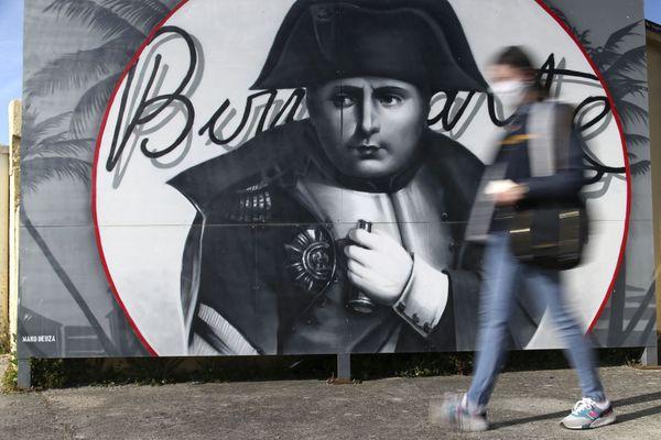 A Ajaccio, Napoléon Bonaparte fait plus que jamais partie du décor.